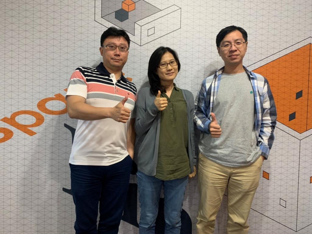 圖由左至右分別為:共同創辦人鄭宗宜、總經理廖彥欽及晶片設計總監劉文凱